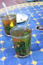 Teh Mint jeruk peras dan teh daun mint minuman segar khas marrakesh