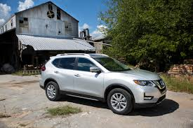 nissan ads 2016 first drive 2017 nissan rogue is firmly among the herd