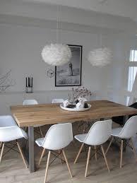 chaise blanc et bois salle à manger chaises en plastique blanc table en bois clair