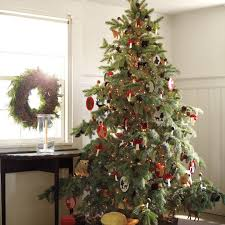 Homemade Christmas Tree by Holiday Decorating Ideas For The Front Door Porch Christmas