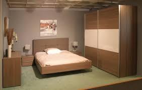armoire chambre a coucher chambre a coucher avec armoire chambre portes coulissantes meubles