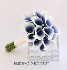 Flowers On - best 25 navy wedding flowers ideas on coral navy