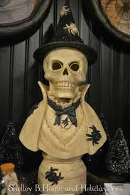stonella halloween skeleton bust by bethany lowe