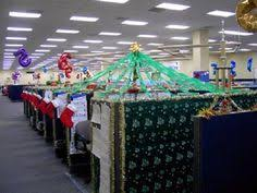 Office Cubicle Decorating Ideas Island Of Misfit Employees Christmas Cubicle Cubicle Decorating