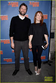 julianne moore u0026 husband bart freundlich have a broadway date