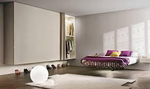Schlafzimmer Einrichten Metallbett Funvit Com Fliesenspiegel Aus Holz