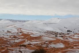 sahara snowfall video sahara desert gets snow fall for the third time in 40 years