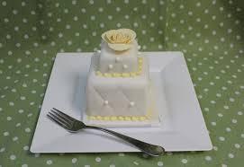 100 mini wedding cakes marathon at amanda oakleaf cakes arabia