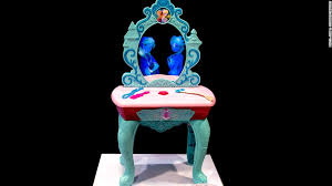 frozen vanity table toys r us magic mirror vanity exclusive toymakers unveil new frozen