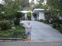 the real brady bunch house los angeles california mike and carol brady s homes from the pilot episode of the brady