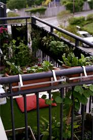 30 inspiring small balcony garden ideas 11 small apartment balcony