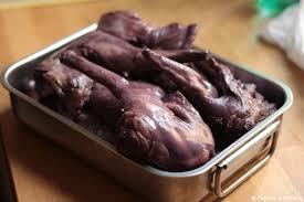 cuisiner un lievre au vin lapin aux pruneaux et au vin