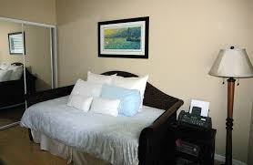 Guest Bedroom And Office - surfboard circle