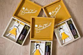 bridesmaid boxes be my bridesmaid boxes stuck with pins