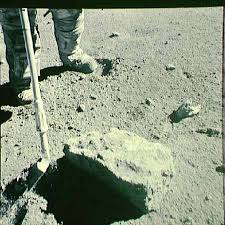Lunar Module Interior Of A U0027rusty U0027 Lunar Rock Suggests The Moon U0027s Interior Is Dry