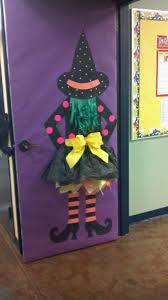 Witch Decorating Ideas Though I Would Never Decorate My Door With A Witch I Like The