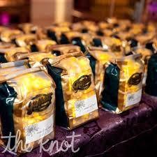 Garretts Popcorn Wedding Favors by Best 25 Chicago Style Popcorn Ideas On Popcorn