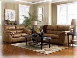 Russell Living And Family Room Furniture - Family room leather furniture