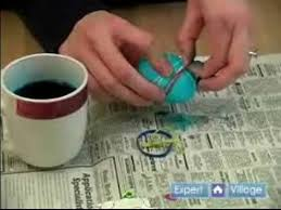 Easter Egg Decorating Rubber Bands by Easter Crafts For Kids How To Dye An Easter Egg With Rubber