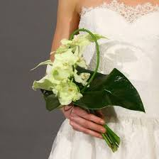 Bridal Bouquet Ideas Monochromatic Wedding Bouquet Ideas And Tips Popsugar Home