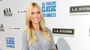 someone grab a fire extinguisher because christina el moussa is fire