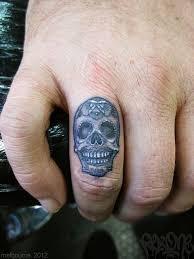 collection of 25 skull finger for