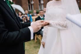 wedding quotes uk wedding readings that won t make you cringe weddingplanner co uk