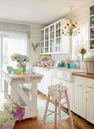 Cottage Kitchen Decor by Best 25 Romantic Kitchen Ideas On Pinterest Shabby Chic