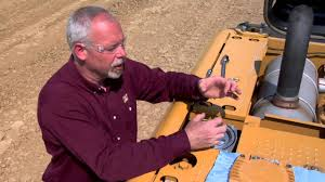 properly changing return filter on cat hydraulic excavators youtube