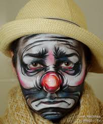 Halloween Makeup Clown Faces by Funny Clown Faces Meant To Cheer Young Patients Actually Terrify