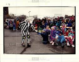 1992 press photo beetlejuice thanksgiving day parade historic images