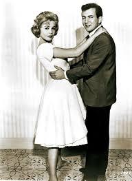Bobby Darin And Sandra Dee Pin Sandra Dee And Bobby Darin In Come September 1961 On Pinterest