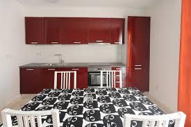 Schreibtisch Mit Erbau Ferienwohnung 2 4 2 Charmante Wohnung Una Zagreb