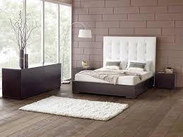 Diy Bedroom Headboard Ideas Bedroom White Matresses Rown Wood Floor White King Size Tufted