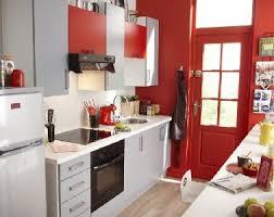 cuisine en longueur am駭agement comment amenager une cuisine ouverte maison design bahbe com