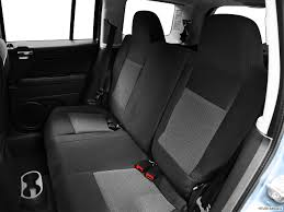 jeep backseat 8817 st1280 052 jpg