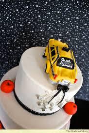 wedding cake nyc up of checkered cab nyc wedding cake the hudson cakery