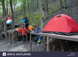 tent platform c8 alamy com comp epne8p backpackers pitching a te
