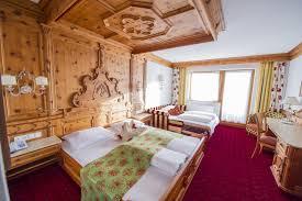wellnesshotel sã dtirol design hotel schwarzbrunn superior stans austria booking