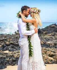 hawaiian wedding dresses hawaiian wedding traditions ancient hawaiian weddings