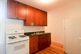 2 Bedroom Astoria Spacious 2 Bedroom In The Heart Of Astoria Just Two Blocks From Train