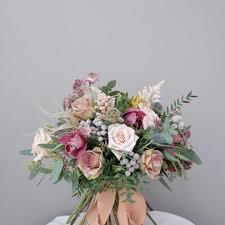 vintage bouquet wedding bouquet linnea florist