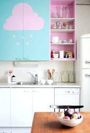 cuisine et couleurs arras cuisine et couleurs arras des motifs peints sur un meuble de