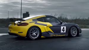 cayman porsche gt4 watch the porsche cayman gt4 clubsport do ballet on a runway