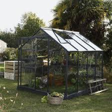 serre jardin d hiver serre de jardin un abri pour vos plantes marie claire