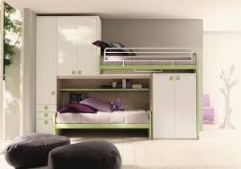 Schlafzimmer Bett Ecke Platzspar Schlafzimmer Mit Linearer Dachboden Mit Zwei Betten