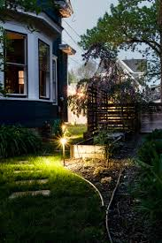 how to install low voltage landscape lighting easy to install low voltage outdoor lighting deuce cities henhouse