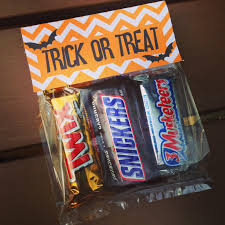 halloween treat bags with free printable guest post unoriginal mom