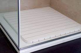 tappeti doccia pedana legno doccia il pallet in legno pu essere il materiale dal