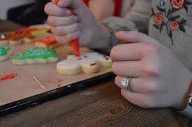 christmas cookie decorating class u2014 polished vision